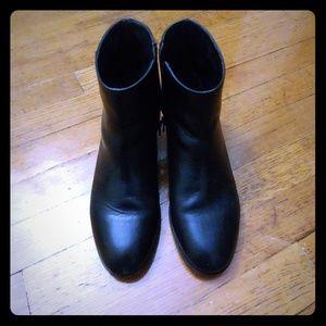 Talbots short black boots size 6.5